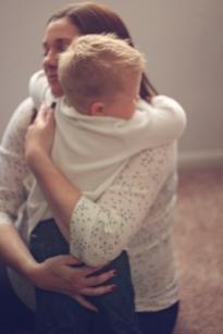 MotherhoodHug_2015